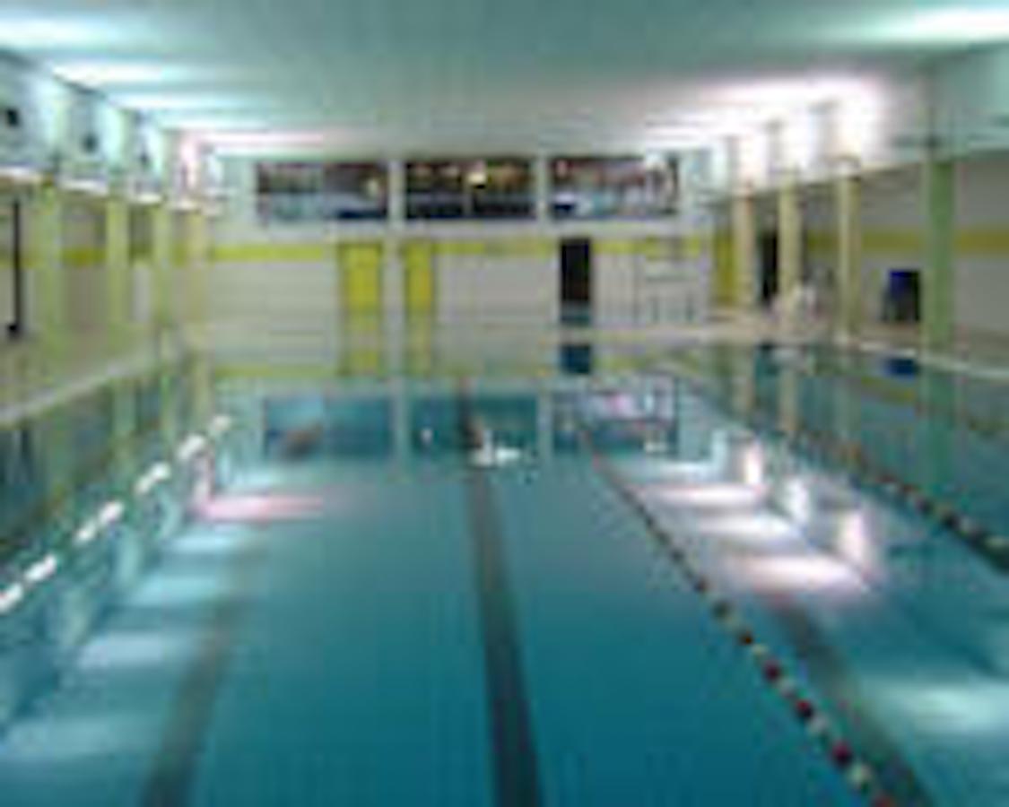 Stedelijk zwembad 39 t zeepaardje vilvoorde uit in for Piscine halle