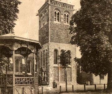 Erfgoedwandeling: 'Kerk en gemeentehuis van Geluwe binnenstebuiten'