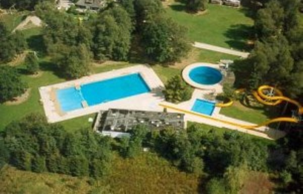 Zwemmen in recreatiedomein Heidestrand