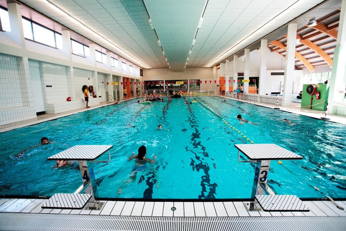 Zwembad sorghvliedt hoboken uit in vlaanderen for Zwembad belgie