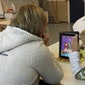 Digitale week 2015 Kleinkinderen helpen grootouders met iPad
