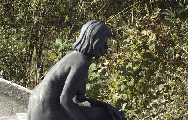 Beeldhouwproject 'Onschuld' van Laurent Geers