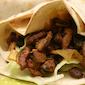 Grabbelpas: pitabroodje met vlees