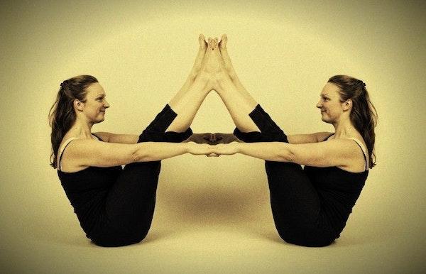 Yoga door YOKE