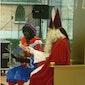 Sinterklaas leest voor