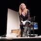 VOLZET - Leven in een krabbenmand : theatermonoloog door Marleen Merckx
