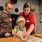 Koekjesbakken met het gezin @ Bakkerijmuseum