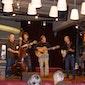 VRHOeM in De Ploeg: stappen, happen en muziek door Bont & Bluegrass