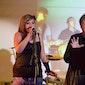 Bekegem Intiem: Margriet Hermans en dochter Celien 'akoestisch'