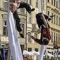 Maandag-Variaties: acrobatie: Outside the box