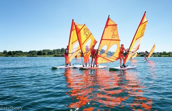 Lessen en verhuur windsurfen in De Nekker (Mechelen)