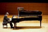 Het Piano-atelier ontvangt concertpianist Dmytro Sukhovienko