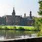 Ooidonk: van wilde rivierbedding tot statig renaissance kasteel. Een boeiende ontdekkingstocht in tijd en ruimte