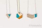 Kleurrijke houten juwelen